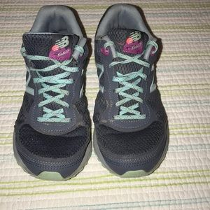 NewBalance Sneakers SH35